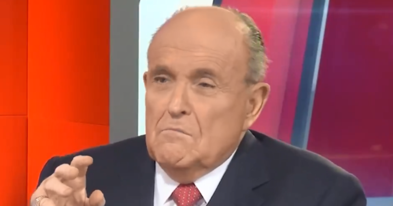 """Hollywood Star Tries To Smear Giuliani With Young Girl, Rudy Called Cops: """"I thought this must be a shakedown"""""""